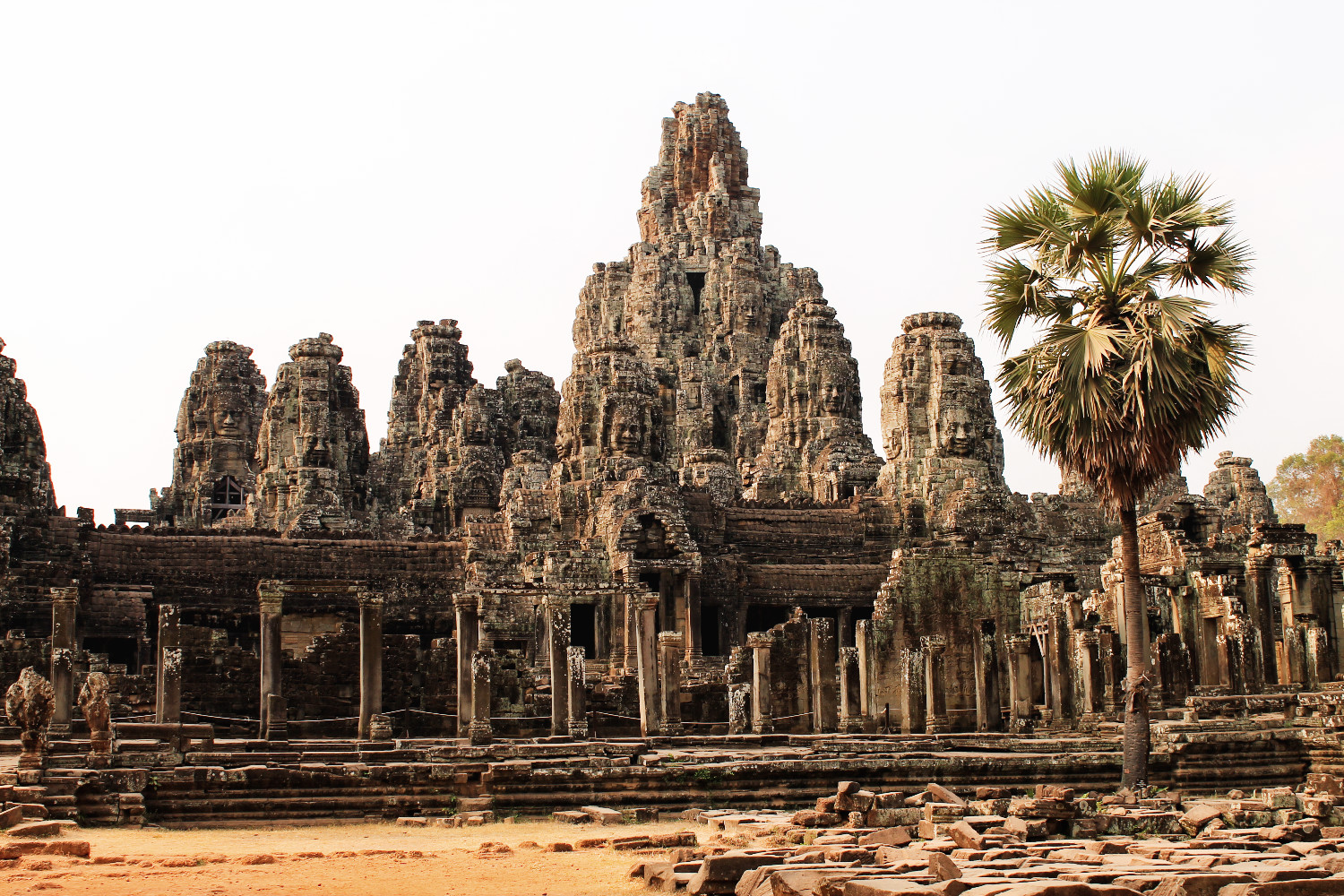 Bayon in Angkor, Cambodja - It's a Food Life