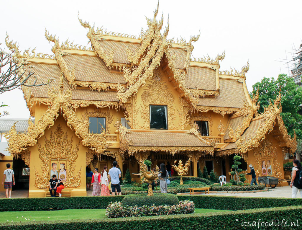 Witte tempel in Chiang Rai, Thailand | It's a Food Life