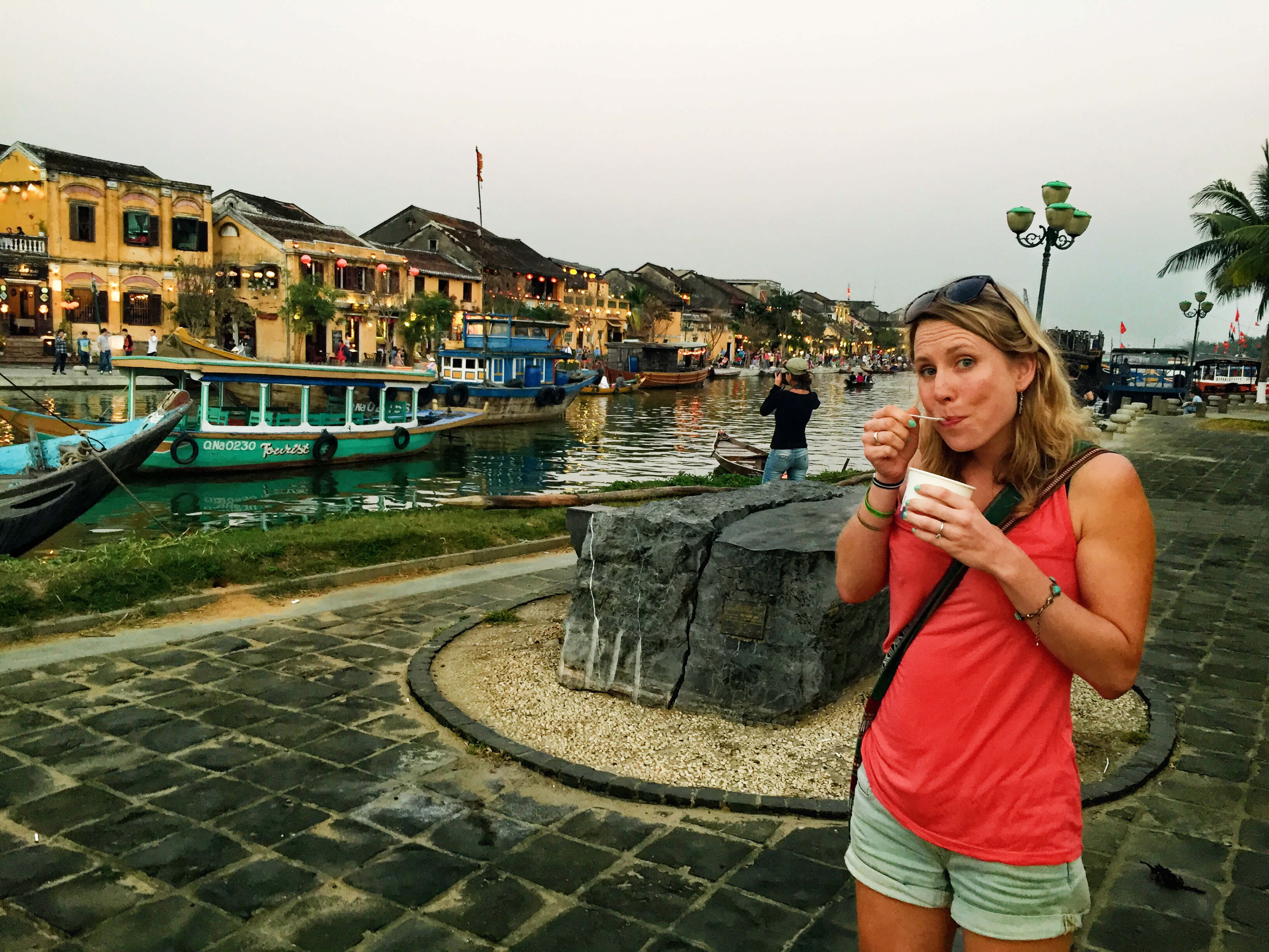 Enjoy ice cream in Hoi An, Vietnam - It's a Food Life