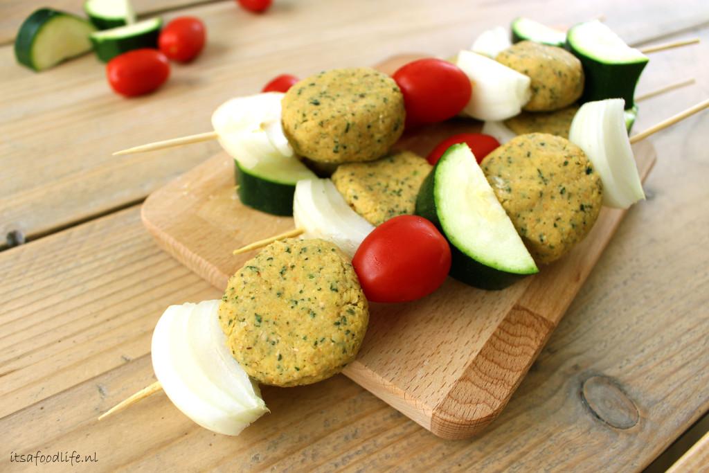 Falafelspiesjes met kaas | It's a Food Life