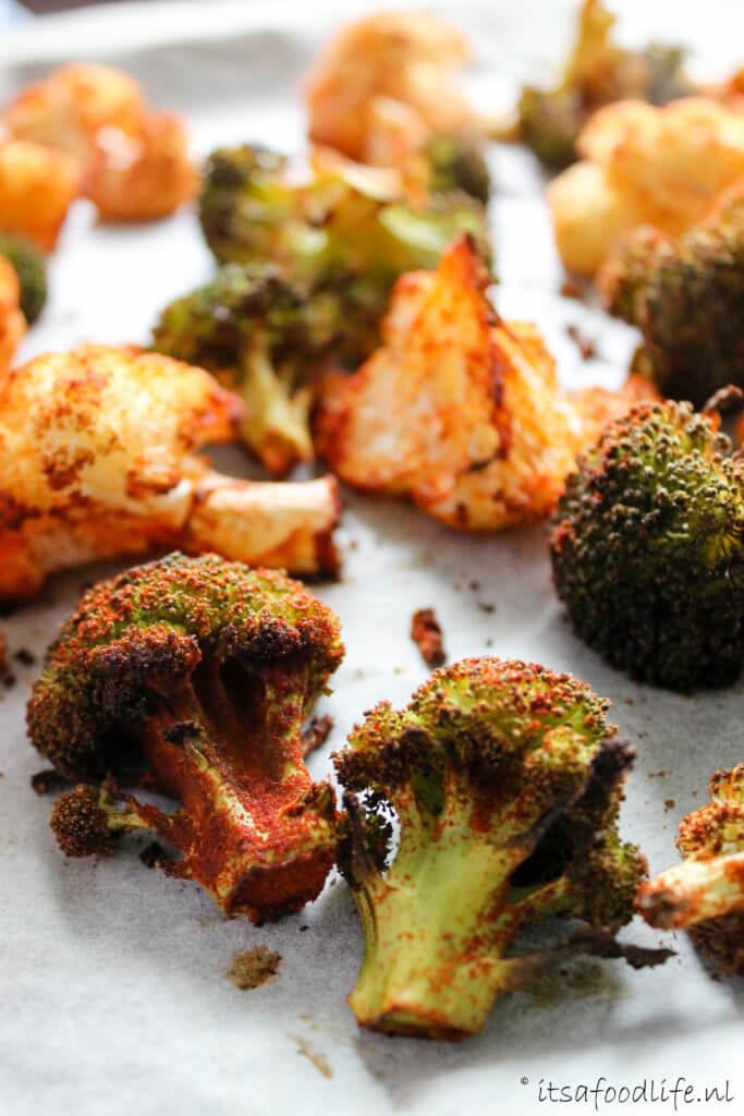 Geroosterde bloemkool en broccoli met gerookte paprikapoeder | It's a Food Life