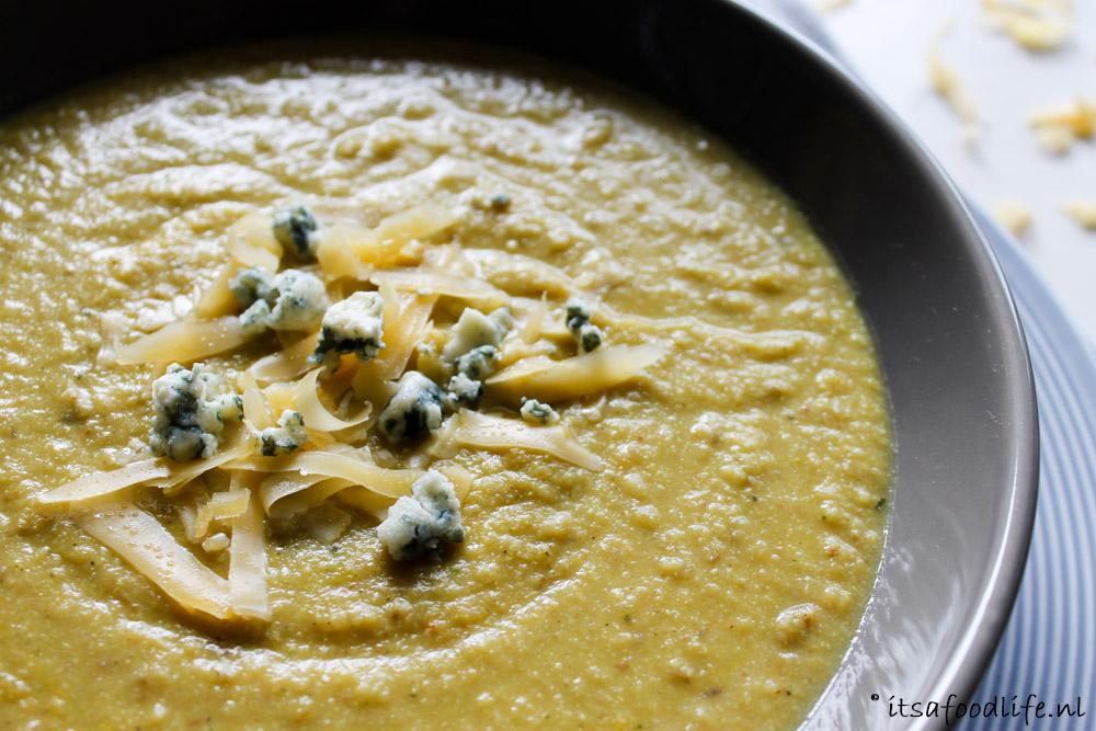 Geroosterde bloemkool-mosterdsoep | It's a Food Life