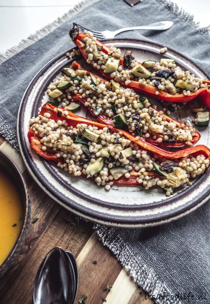 Gevulde puntpaprika met parelcouscous | It's a food life
