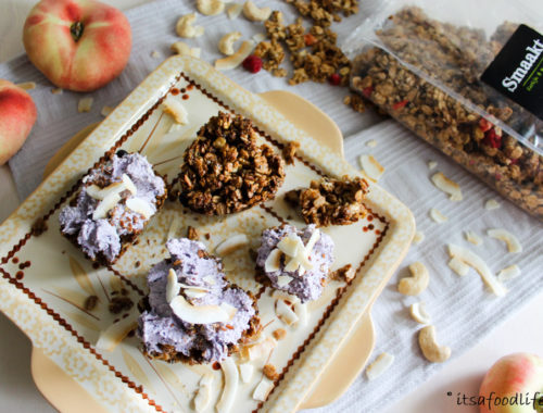 Granola ontbijt taartjes met cashew bosbessen spread | It's a Food Life
