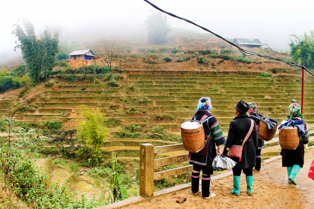Hiking with local women in SaPa, Vietnam - It's a Food Life