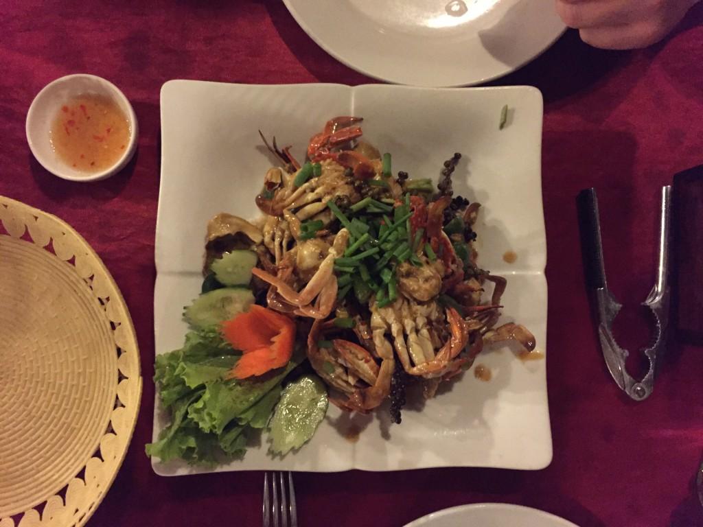 Krab bij de Crab Market in Kep, Cambodja - It's a Food Life
