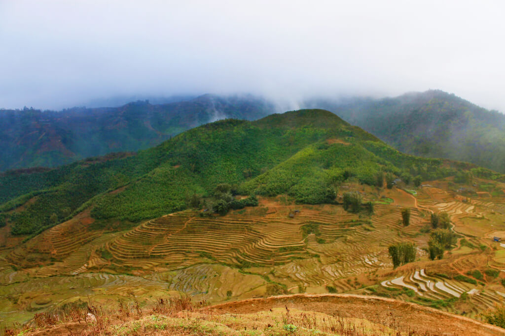 Mountains in SaPa, Vietnam - It's a Food Life
