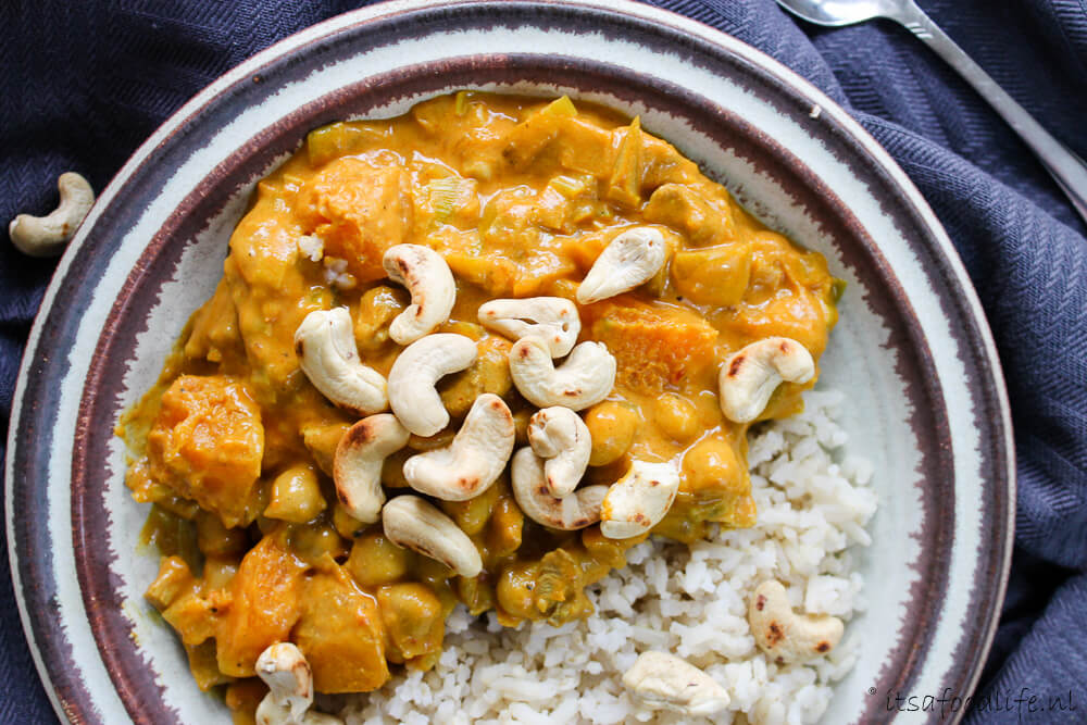 Pompoen curry met kikkererwten | It's a Food Life