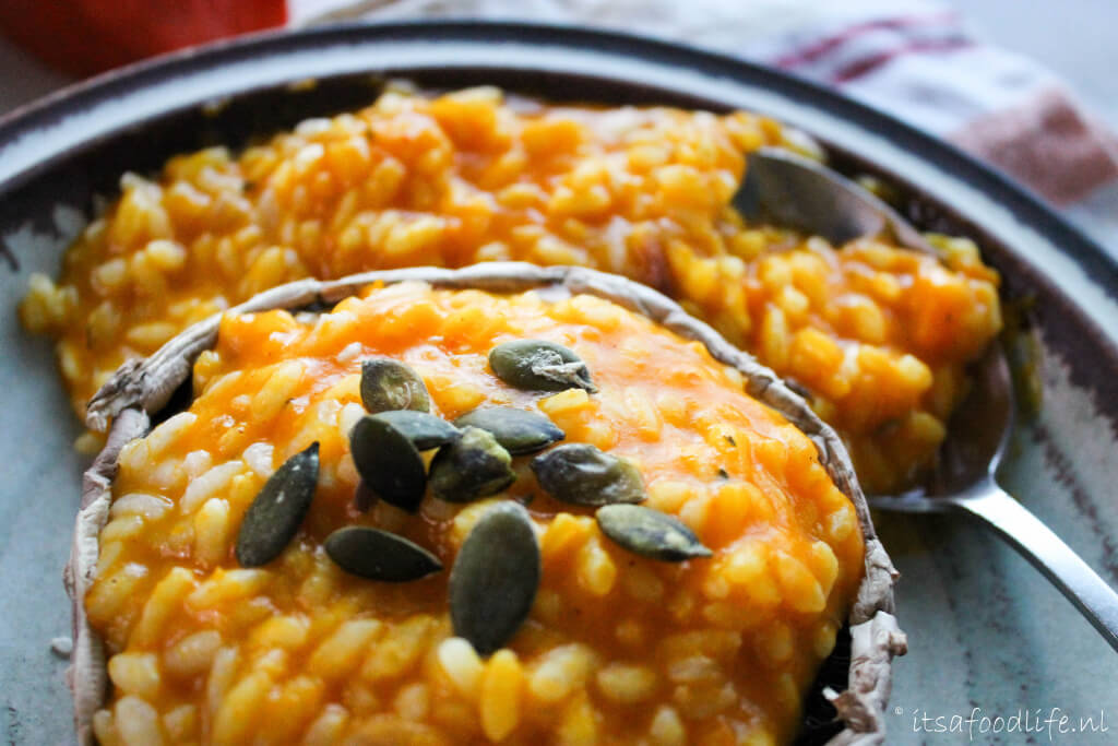 gevulde portobello met Pompoen risotto | It's a Food Life