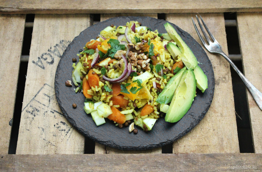 SINAASAPPEL-KERRIE RIJSTSCHOTEL MET VENKEL | It's a Food life