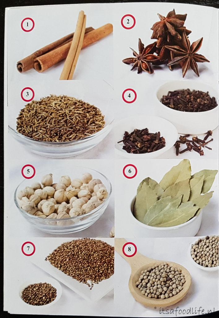 Sweet Basil - Zoete basilicum gebruik: bladeren geneeskrachtige werking: verlicht of voorkomt spasmen, vermindert constipatie, helpt tegen verkoudheid en bij gevoelig tandvlees.