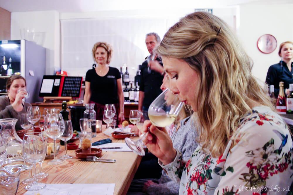 Wijnproeverij bij aProbar in de Bilt | It's a Food Life