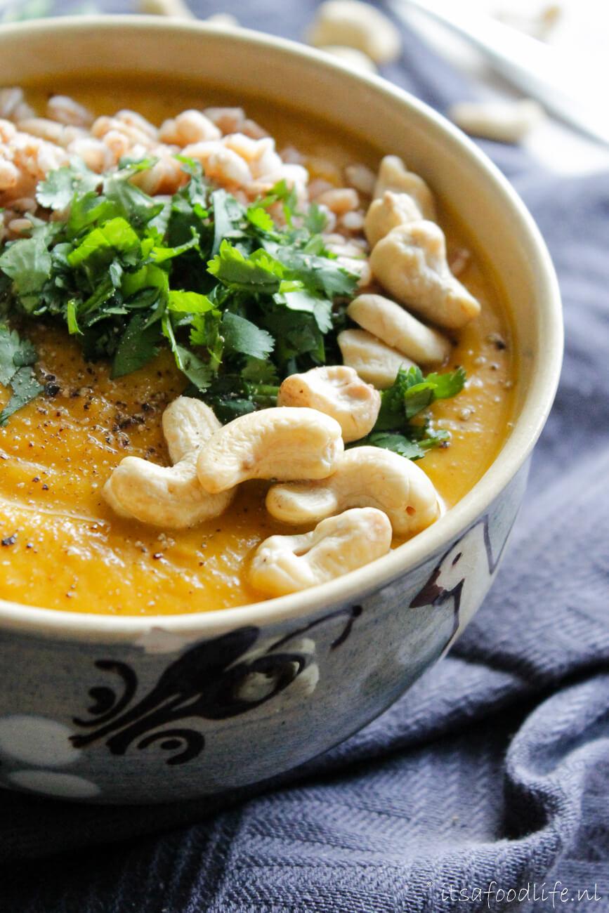 Recept voor zoete aardappel curry maaltijdsoep | It's a Food Life