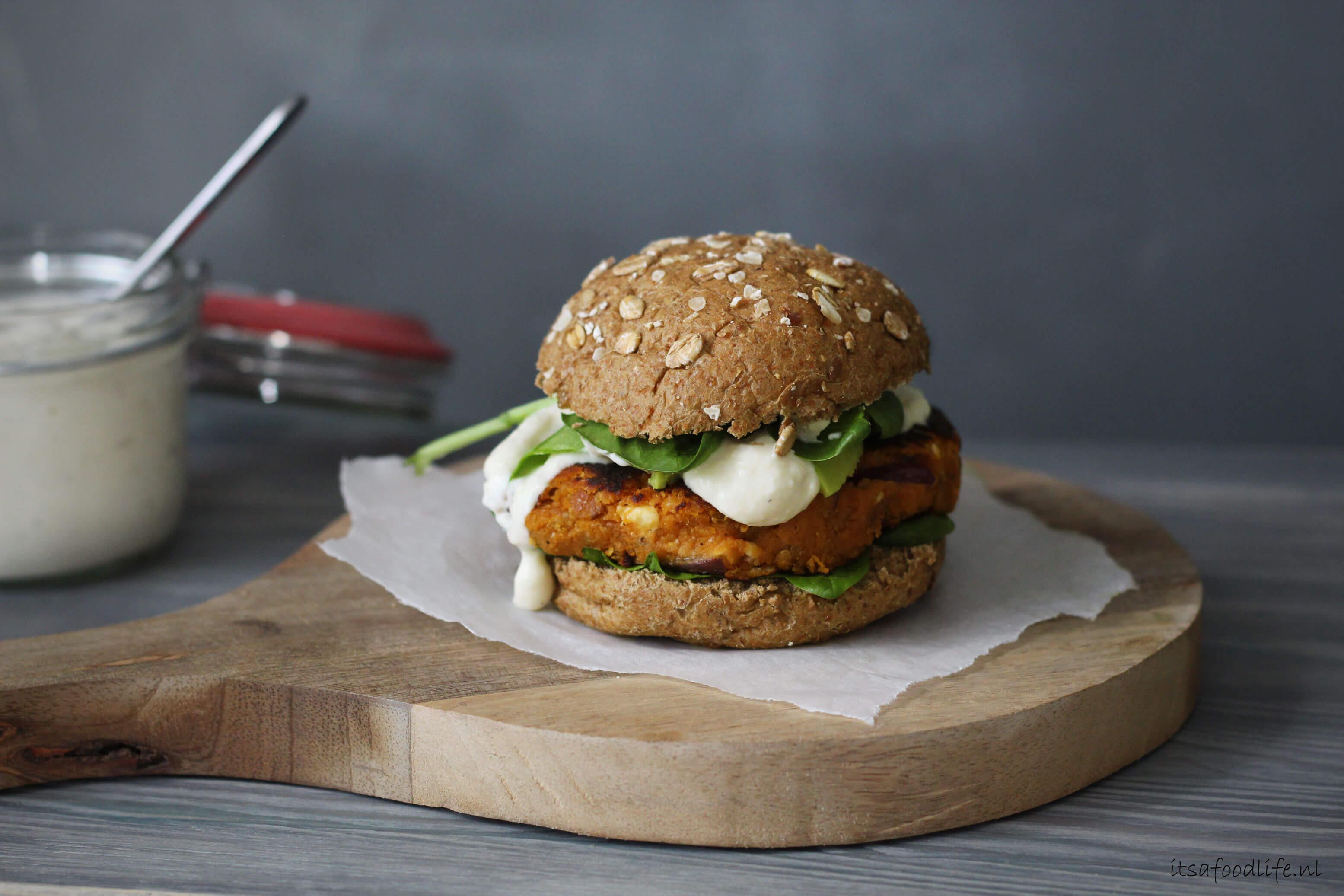 zoete aardappelburger | It's a Food life