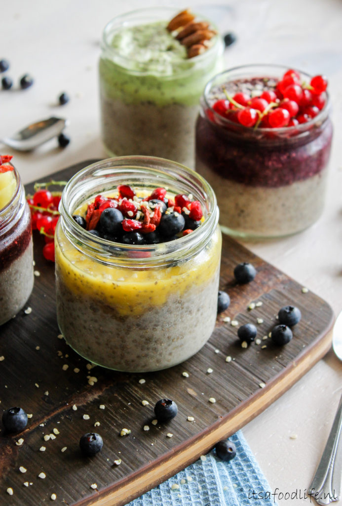chiazaadpudding ontbijt met fruit   It's a Food Life