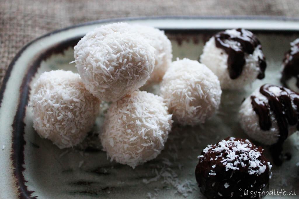 kokos balletjes - gezonde bounty's | It's a Food Life