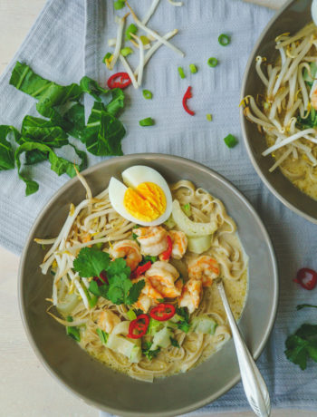 Recept voor Laksa soep uit Singapore. Zelf Laksa currypasta maken | It's a food life