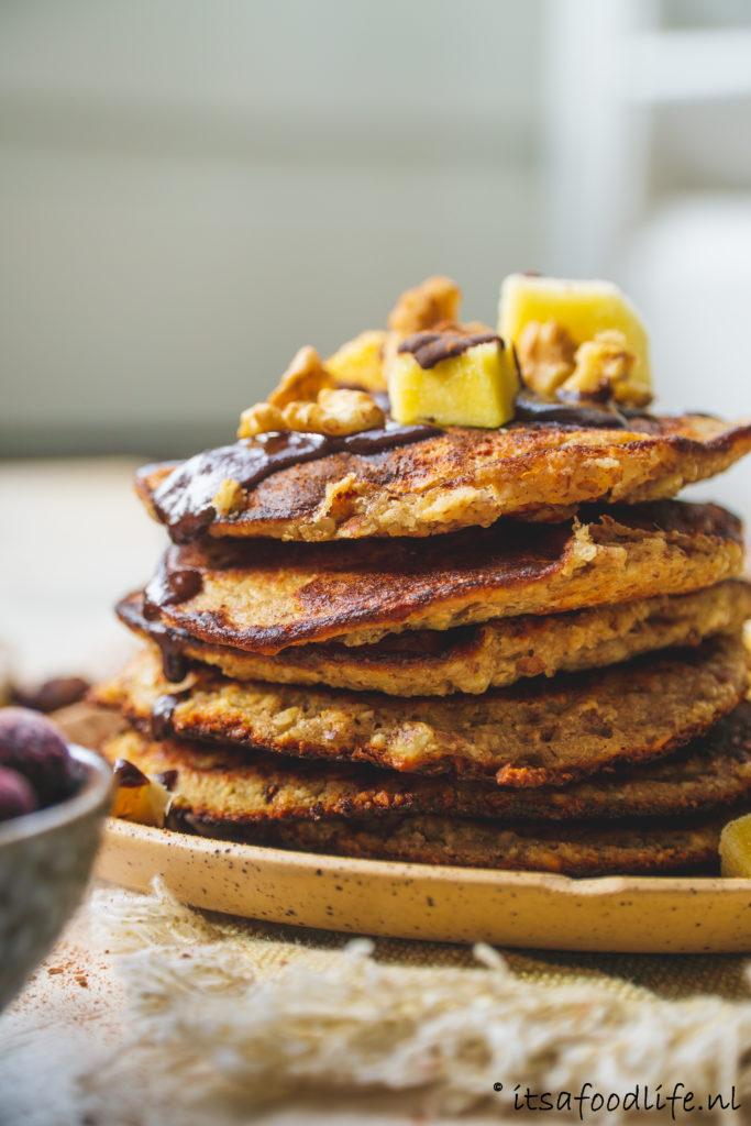 recept voor vegan amandelpannenkoekjes. Lekkere ontbijtpannenkoekjes | It's a food life