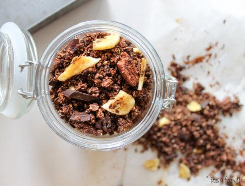 Recept voor zelfgemaakte chocolade granola | It's a Food Life