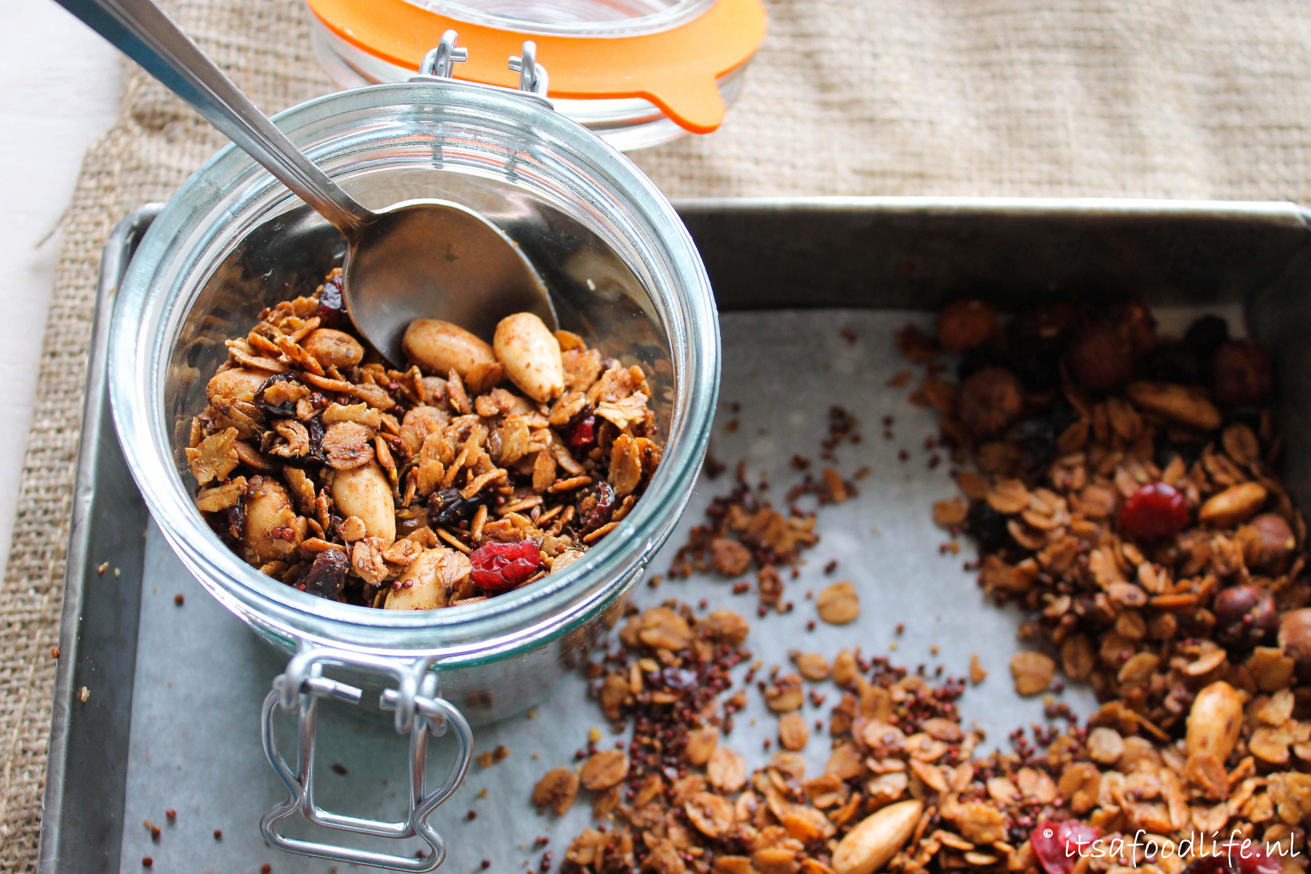 zelfgemaakte winterse peperkoek cruesli | It's a Food Life